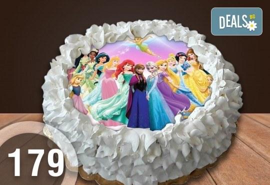 Детска торта с 16 парчета с крем и какаови блатове + детска снимка или снимка на клиента, от Сладкарница Джорджо Джани - Снимка 25