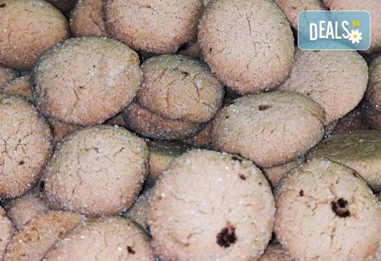 Половин или 1 кг. ароматни курабийки с канела от Сладкопекарна МЕДЕН ХЛЯБ в центъра на София - Снимка 2