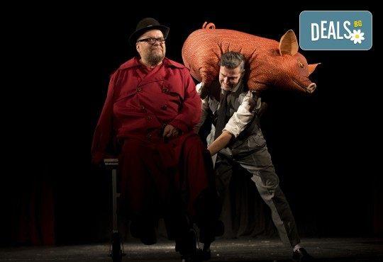 Хитовата комедия на Теди Москов Аз обичам, ти обичаш, тя обича на 7-ми март (неделя) в Малък градски театър Зад канала - Снимка 8