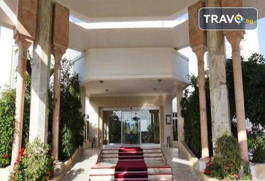 Екзотична почивка в Тунис от Караджъ Турс! 7 нощувки на база All Inclusive в хотел El Mouradi Mahdia 5*, самолетен билет, летищни такси и трансфери - Снимка 1
