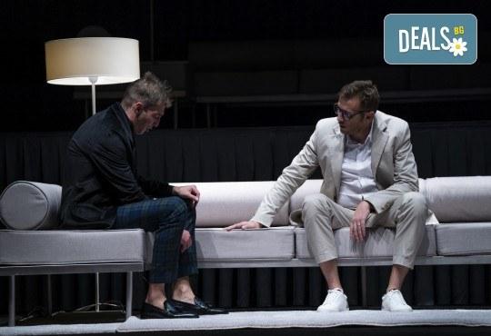 Гледайте Весела Бабинова, Христо Пъдев и Анастасия Лютова в Сцени от един семеен живот на 8-ми април (четвъртък) в Малък градски театър Зад канала - Снимка 5