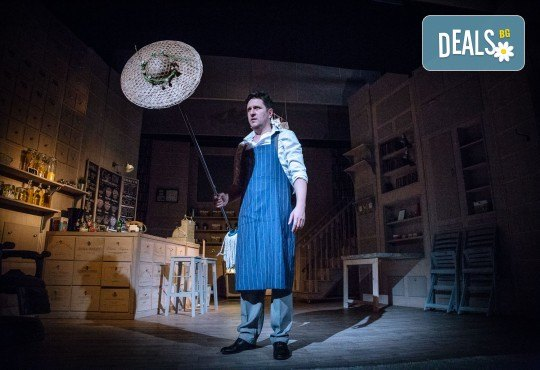 Гледайте Асен Блатечки и Малин Кръстев в постановката Зимата на нашето недоволство на 30-ти март (вторник) в Малък градски театър Зад канала - Снимка 12