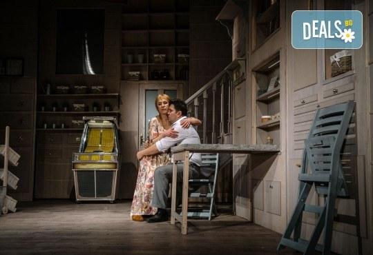 Гледайте Асен Блатечки и Малин Кръстев в постановката Зимата на нашето недоволство на 30-ти март (вторник) в Малък градски театър Зад канала - Снимка 15