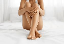 Антицелулитна програма! RF лифтинг, ръчен антицелулитен масаж, вендузи и vibro plate за намаляване на мастните депа и стягане на бедра и седалище в Wellness Center Ganesha Club! - Снимка