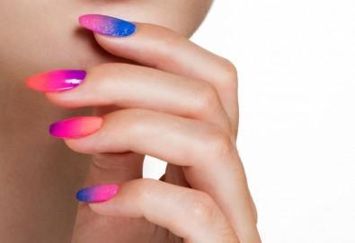 Ноктопластика с изграждане с акрил, гел или чрез Gum Gel - безвреден и естествен метод с отливка, във фризьоро-козметичен салон Вили - Снимка