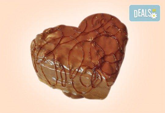 Торта Шоколадово сърце с 8, 12 или 16 парчета от Сладкарница Джорджо Джани - Снимка 4