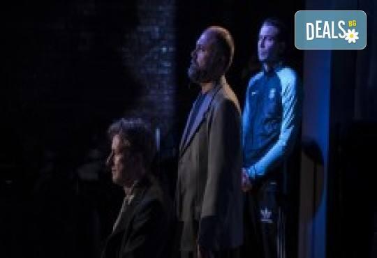 Комедията Поп фолк хроники: бели птици и куршуми на 11-ти април (неделя) в клуб-фоайе При жабите в Малък градски театър Зад канала - Снимка 15