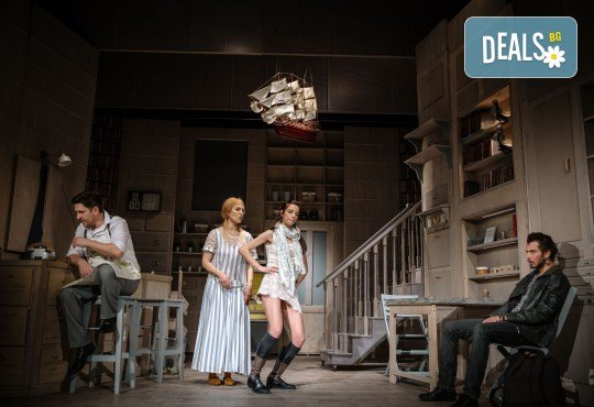 Гледайте Асен Блатечки и Малин Кръстев в постановката Зимата на нашето недоволство на 10-ти април (събота) в Малък градски театър Зад канала - Снимка 11