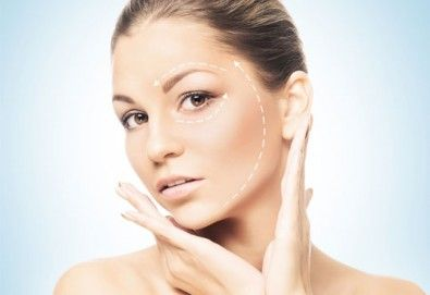 Луксозна Кралска терапия за лице - с механична екстракция, водно дермабразио, ултразвуков и RF лифтинг с подмладяващи серуми от Esthetic Center Adoree - Снимка