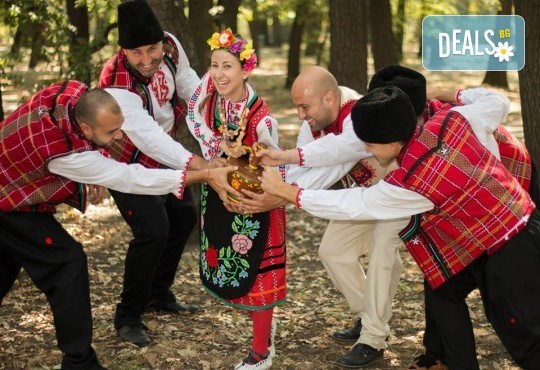 Запознайте се с автентичния български фолклор! 5 посещения на народни танци в клуб за народни танци Хороводец - Снимка 7
