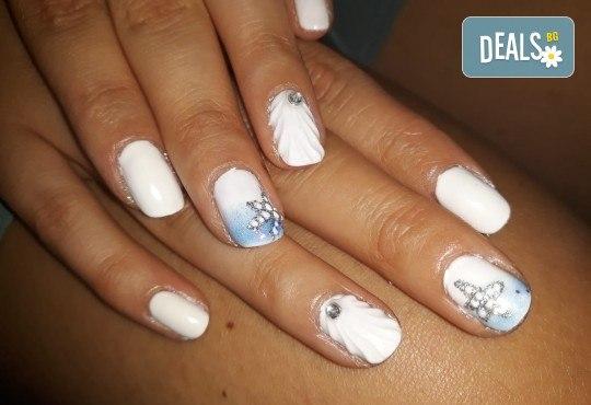 Лято е! Mаникюр или маникюр + педикюр с гел лак BlueSky, 2 или 4 декорации, вграждане на камъчета и ефекти от Салон Мечта - Снимка 34