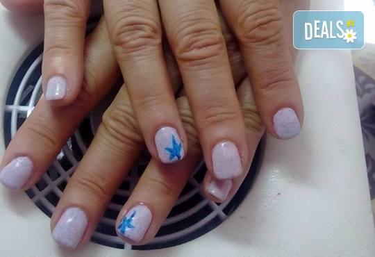 Лято е! Mаникюр или маникюр + педикюр с гел лак BlueSky, 2 или 4 декорации, вграждане на камъчета и ефекти от Салон Мечта - Снимка 17