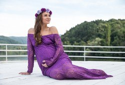 Лято е! Фотосесия за бременни на открито с включени аксесоари и рокли + обработка на всички заснети кадри, от Chapkanov photography - Снимка