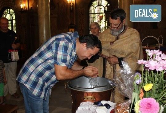 Фотозаснемане на кръщение до 1 час, с неограничен брой кадри, фотосесия, фотокнига А4 и подарък DVD - Снимка 14