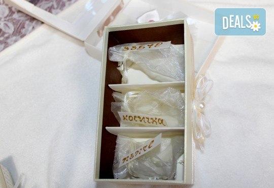 Фотозаснемане на кръщение до 1 час, с неограничен брой кадри, фотосесия, фотокнига А4 и подарък DVD - Снимка 15