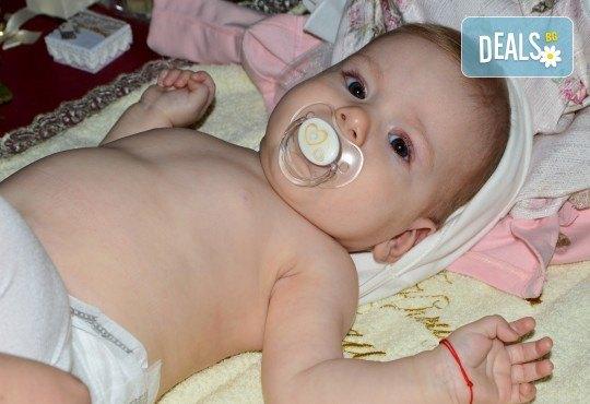 Фотозаснемане на кръщение до 1 час, с неограничен брой кадри, фотосесия, фотокнига А4 и подарък DVD - Снимка 17