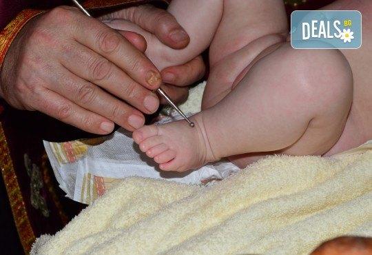 Фотозаснемане на кръщение до 1 час, с неограничен брой кадри, фотосесия, фотокнига А4 и подарък DVD - Снимка 18