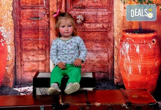 Есенни декори! Семейна, детска или фотосесия за влюбени + подарък фотокнига от Photosesia.com - Снимка 4