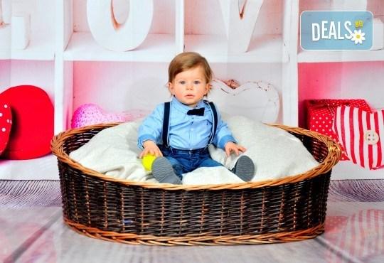 Есенни декори! Семейна, детска или фотосесия за влюбени + подарък фотокнига от Photosesia.com - Снимка 13