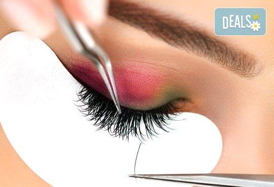 Поглед като от реклама! Удължаване и сгъстяване на мигли по метода косъм по косъм от Студио за миглопластика KK lashes, в центъра на София - Снимка 1