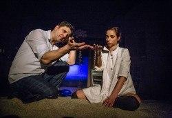 Гледайте Асен Блатечки и Малин Кръстев в постановката Зимата на нашето недоволство на 13-ти юни (неделя) в Малък градски театър Зад канала - Снимка