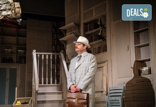 Гледайте Асен Блатечки и Малин Кръстев в постановката Зимата на нашето недоволство на 13-ти юни (неделя) в Малък градски театър Зад канала - Снимка 20