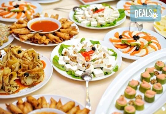 Кетъринг за рожден ден на открито за до 30 гости с апетитни хапки, лимонада, празнични чашки и чинийки oт Кулинарна работилница Деличи - Снимка 2