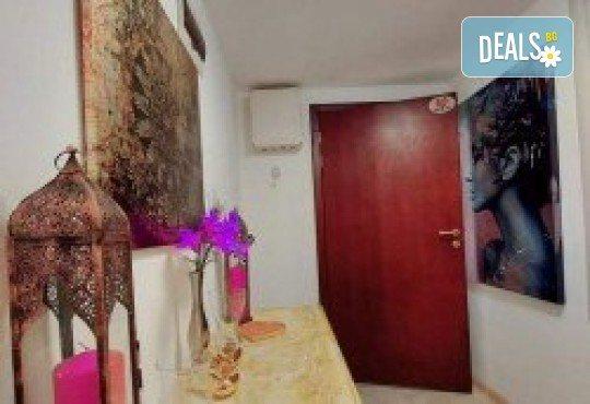 Луксозна терапия 50 или 70 мин.! Пилинг с хайвер, СПА маска на цяло тяло и масаж с перли и мускус на глава и лице или масаж на тяло в Wellness Center Ganesha Club - Снимка 7