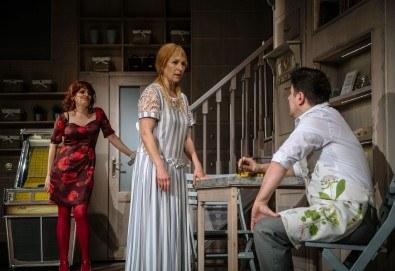 Гледайте Асен Блатечки и Малин Кръстев в постановката Зимата на нашето недоволство на 26-ти юни (събота) в Малък градски театър Зад канала - Снимка