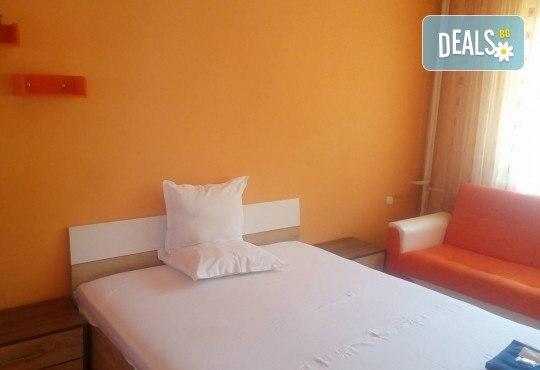 Релакс в СПА хотел Виктория, Брацигово! 1 нощувка със закуска и ползване на басейн, безплатно за дете до 5.99 години - Снимка 15