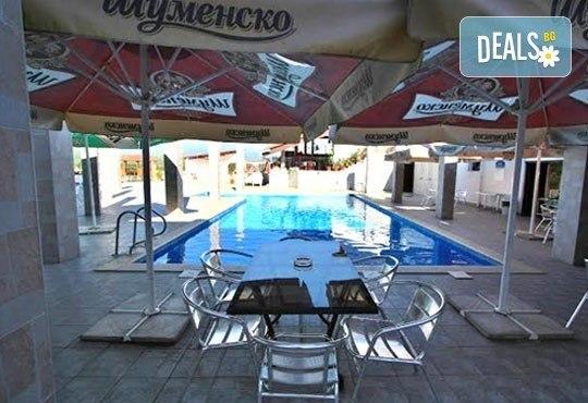 Релакс в СПА хотел Виктория, Брацигово! 1 нощувка със закуска и ползване на басейн, безплатно за дете до 5.99 години - Снимка 11