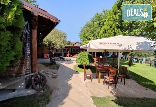 Почивка в Добринище! 1 нощувка със закуска в къща за гости Андрееви - Снимка 33