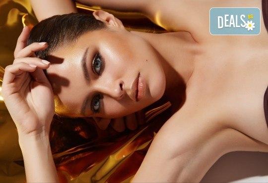 Идеалният подарък! 50- или 70-минутна лифтинг терапия с нано злато, масаж на лице и кралски масаж на гръб или цяло тяло в Wellness Center Ganesha Club - Снимка 3
