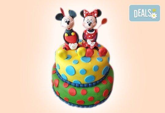 MAX цветове! Детски торти MAX цветове с 2, 3 или 4 фигурки, фотодекорация и апликация по дизайн на Сладкарница Джорджо Джани - Снимка 29