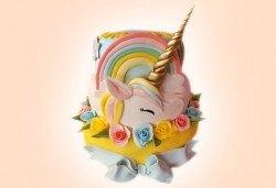 Торта за принцеси! Торти за момичета с 3D дизайн с еднорог или друг приказен герой от сладкарница Джорджо Джани - Снимка