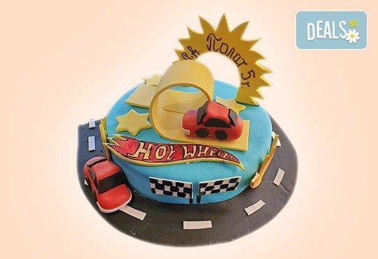 За момчета! Детска 3D торта за момчета с коли и герои от филмчета с ръчно моделирана декорация от Сладкарница Джорджо Джани - Снимка 11