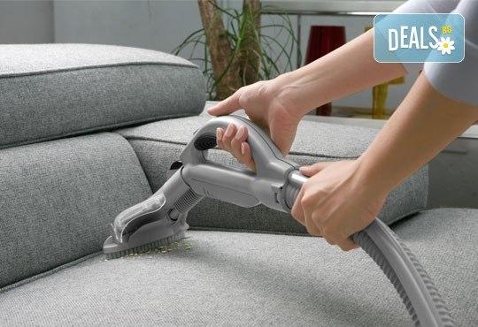 Двустранно почистване на прозорци с прилежаща дограма на дом или офис до 100 кв.м. + машинно пране на мека мебел и матрак от Атт-Брилянт - Снимка 2