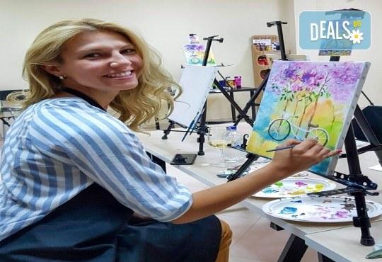 Незабравимо 3-часово творческо преживяване! Студио за рисуване и вино Art and Wine. На 22 септември от 18:30ч - на тема Дамата и морето - Снимка 6