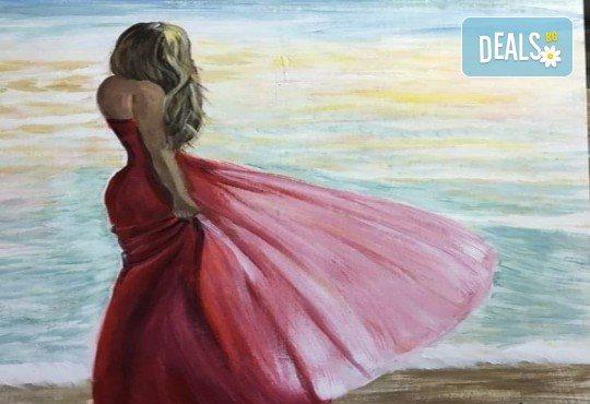 Незабравимо 3-часово творческо преживяване! Студио за рисуване и вино Art and Wine. На 22 септември от 18:30ч - на тема Дамата и морето - Снимка 11