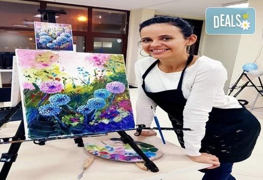 Незабравимо 3-часово творческо преживяване! Студио за рисуване и вино Art and Wine. На 24 септември от 18:30ч - на тема Тропикана - Снимка 10