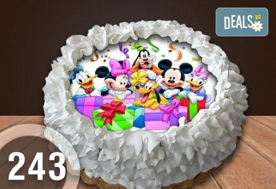 Детска торта с 8 парчета с крем и какаови блатове + детска снимка или снимка на клиента, от Сладкарница Джорджо Джани - Снимка 46