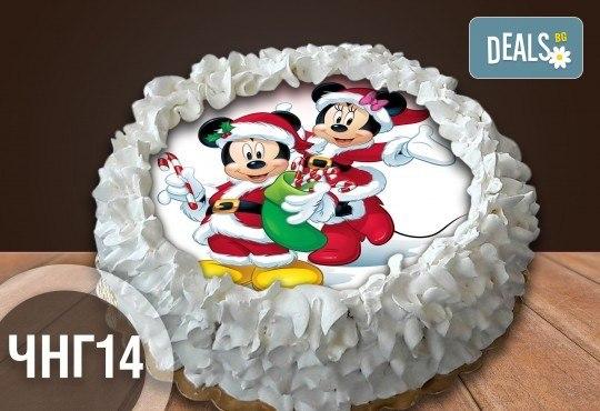 Коледно-новогодишна торта с 12 парчета с крем и какаови блатове + коледна снимка или снимка на клиента, от Сладкарница Джорджо Джани - Снимка 12