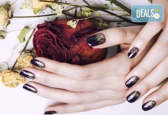 Красива жена! Маникюр с гел лак Semilac, Dama nail и рисувани декорации в Студио за красота Вая - Снимка 5