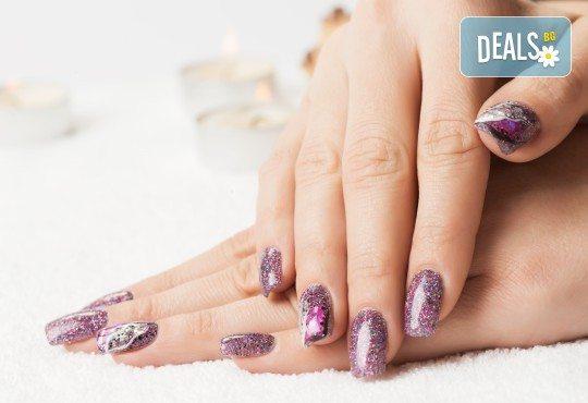 Перфектни ръце! Маникюр с гел лак Semilac, Dama nail и 2 рисувани декорации в Студио за красота Вая - Снимка 3