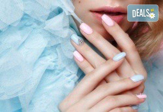 Перфектни ръце! Маникюр с гел лак Semilac, Dama nail и 2 рисувани декорации в Студио за красота Вая - Снимка 2
