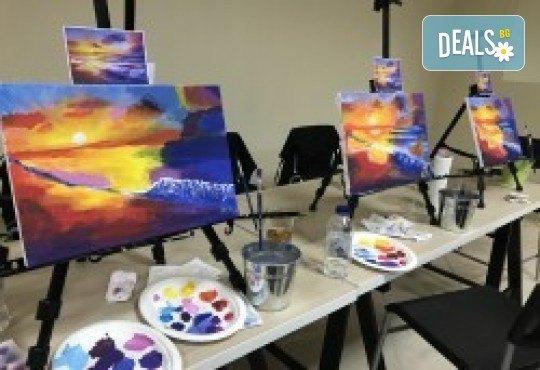 Незабравимо 3-часово творческо преживяване! Студио за рисуване и вино Art and Wine. На 22 октомври от 18:30ч - на тема Есенно настроение - Снимка 9