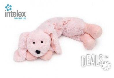 Плюшен нагряващ се Шал Зайче Cozy Wrap Bunny от Intelex - Снимка