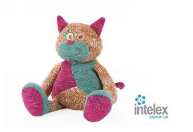 Плюшена нагряваща се Котка Warmies Cat от Intelex - Снимка