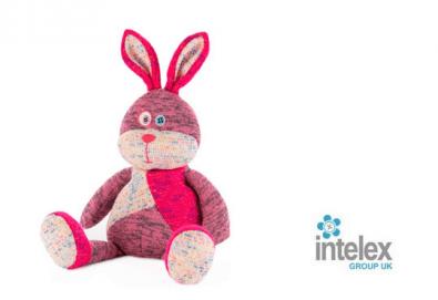 Плюшен нагряващ се Заек Warmies Rabbit от Intelex - Снимка