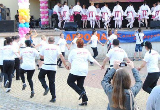 Танцувайте български хора, ръченици! ОСЕМ урока във Фолклорен клуб BODY FOLK в школата в жк Люлин - Снимка 4
